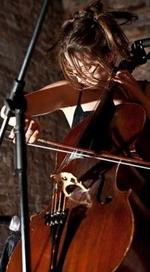 Valerie Kuehne | cello & voice & cello with voice teacher