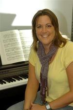 Bekki Smith | Piano Keyboard Saxophone Bassoon Clarinet Flute Recorder Drums Guitar Bass Ukulele Banjo  Theory and more teacher