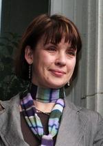 Elena Tompkins   natural voice singing workshop leader