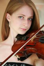 Lucy Richardson   Violin teacher