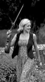 Naomi Burrell | Violin tutor
